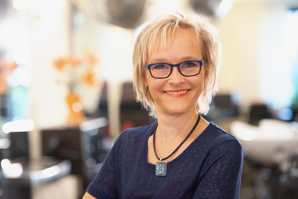Friseurmeisterin Silvia Siepert
